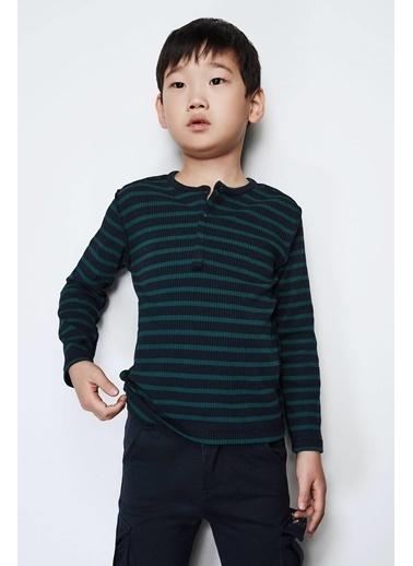 Nebbati Erkek Çocuk Desenli T-Shirt Renkli